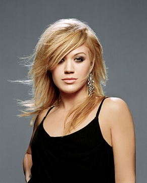 Celebrity Kelly Clarkson long  hairstyles